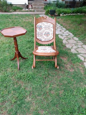 Vintage rocking chair for Sale in Dallas, TX