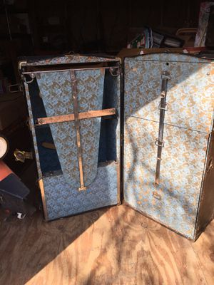 Large Wardrobe Steamer Trunk for Sale in Tulsa, OK