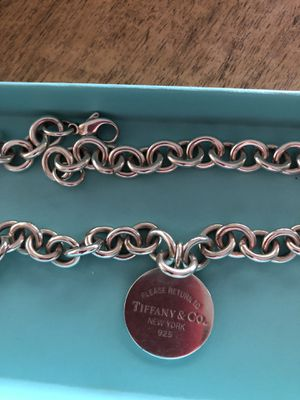 Tiffany &CO necklace with round charm, return to Tiffany. for Sale in Fenton, MO