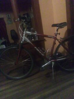 Giant bike cyrprus aluxx extra light for Sale in Bloomington,  IL
