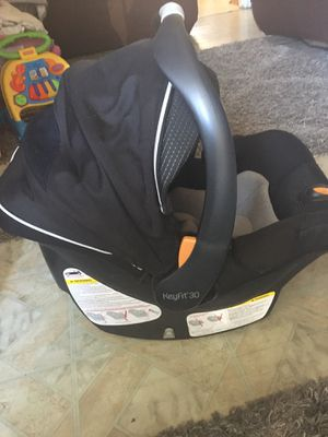 Chico keyfit 30 car seat and stroller frame for Sale in Oakland, CA