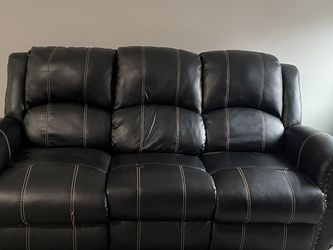 3+2 Leather Reclining Sofa for Sale in Canton,  MI