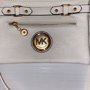 Michael Kors Purse (Local Pick Up Only) for Sale in Alpharetta, GA