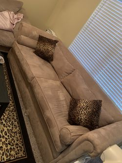 Tan Couch for Sale in Spring,  TX