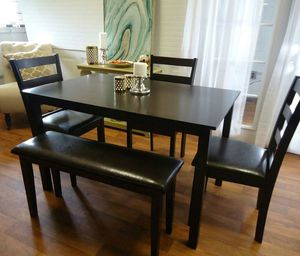 Dining table set chairs bench Dinette for Sale in Baltimore, MD