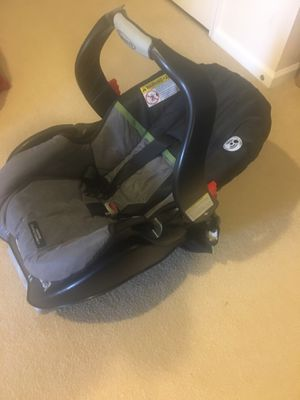Graco infant car seat for Sale in Clarksville, MD