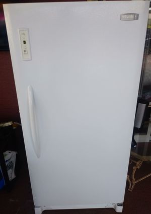 "28"" w x 60"" H* Upright freezer by Frigidaire Super clean ..looks New for Sale in Spring Hill, FL"
