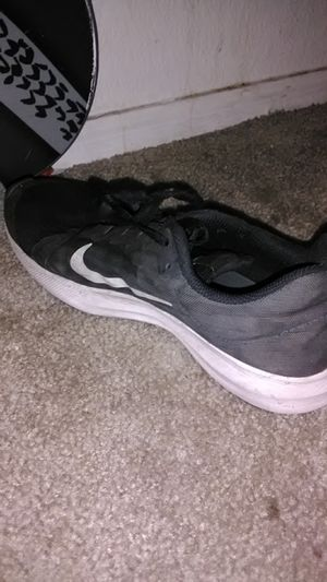 Size 7 Nike running shoes for Sale in Glendale, AZ