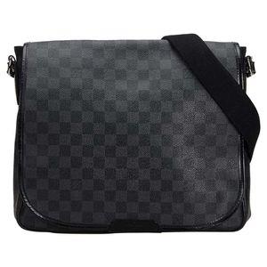 Vintage Authentic Louis Vuitton Black Graphite Daniel MM for Sale in Las Vegas, NV