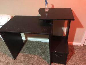 Computer / desktop table for Sale in Smyrna, GA