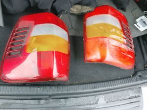 04 jeep grand cherokee tail lights for Sale in Levittown, PA