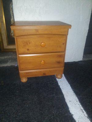 wood nightstand for Sale in Pembroke Pines, FL