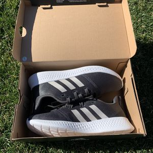 New Women's Adidas/ Adidas De Mujer for Sale in Salinas, CA