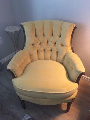 Cute chair for Sale in Glendale, AZ