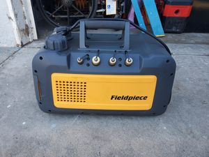 Fieldpiece VP55 5 CFM Vacuum Pump with RunQuick™ Oil Change System, 115V for Sale in Fountain Valley, CA