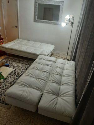 Dos Sofá cama blanco for Sale in Miami, FL
