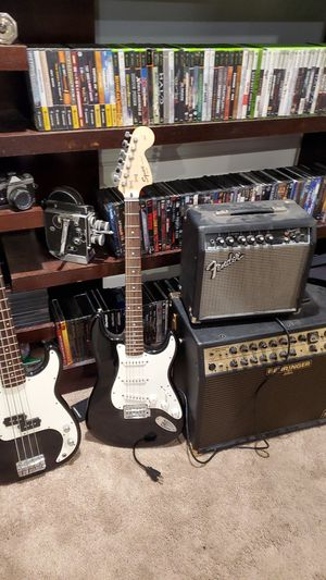 squier bass electric guitar and amps for Sale in Los Angeles, CA