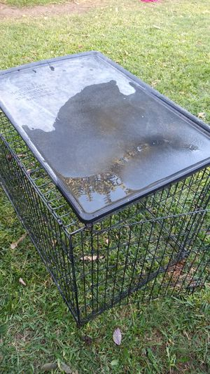 Dog kennel 3 1/2ft by 2ft for Sale in La Habra Heights, CA