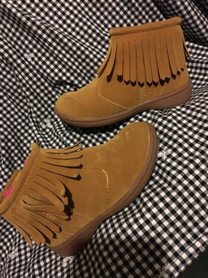 Good condition by Carter's girl brown boots size 8 $20 for Sale in Mesquite, TX
