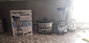 2 Blenders and 1 Crockpot for Sale in Hesperia, CA