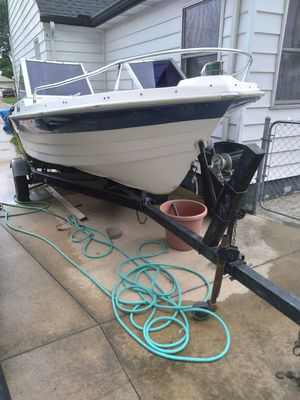 PROJECT BOAT WITH TRAILOR AND TITLE for Sale in Middleburg Heights, OH