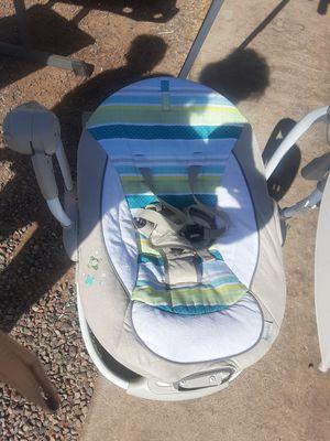 Columpio, baby swing for Sale in Phoenix, AZ