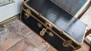 Vintage trunk for Sale in Rosemead, CA