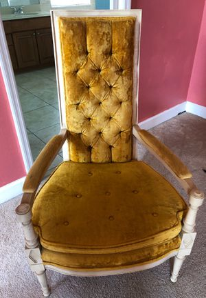 Antique chair for Sale in Ruskin, FL