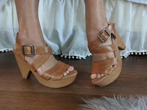 Lucky Brand Sandals Heels cuuutteee sz7 for Sale in Lake Stevens, WA