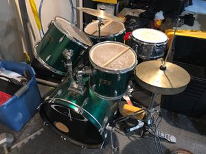 5 piece Drum set for Sale in Clinton, MD