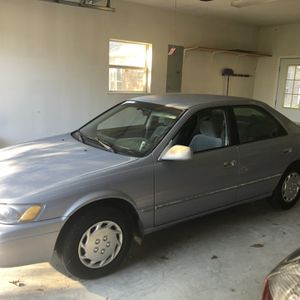 Toyota Camry LE 1 Owner for Sale in Lafayette, LA
