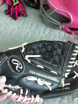 Fast pitch softball Rawlings glove for Sale in Banning, CA