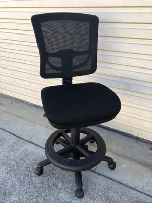 Memory Foam Adjustable High Chair for Sale in Hayward, CA