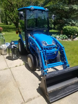 Tractor LL2102 for Sale in Detroit, MI