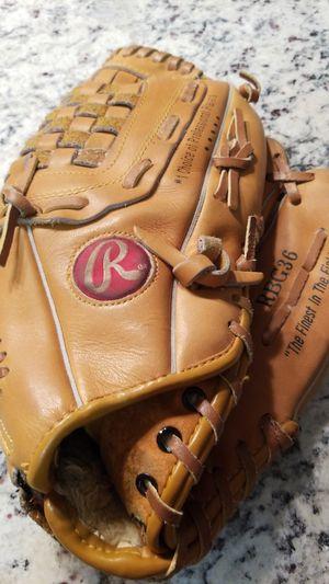Rawlings softball glove for Sale in Gilbert, AZ