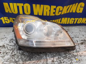 Mercedes Gl350 headlight 2007 2008 2009 2010 2011 2012 for Sale in Wilmington, CA