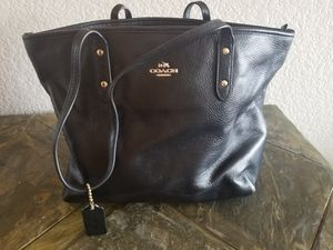 black Coach leather ladies purse for Sale in Arvada, CO