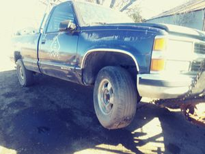 parting out 1995 chevy 3/4 ton chevy parts only for Sale in San Antonio, TX