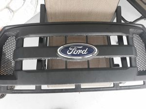 Ford f150 grill like new for Sale in NEW PRT RCHY, FL