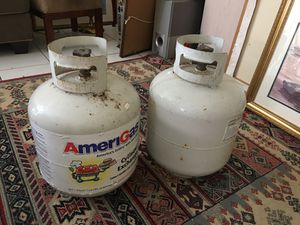 2 Propane Tanks 1 full / 1 empty* RV/ BBQ Propane for Sale in Fort Lauderdale, FL