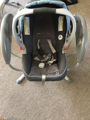 Graco Baby Rocker with Infant Car seat for Sale in Chicago, IL