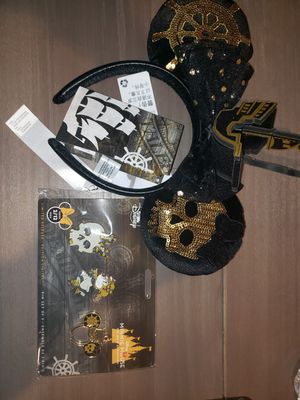 Disney Main attraction minnie ears/ pins (pirates of the Caribbean) for Sale in LEWIS MCCHORD, WA
