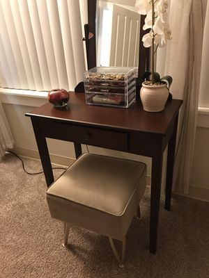 Brand new vanity with mirror and brand new stool for Sale in Fairview, OR