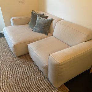 Article Solae sofa, <8 Mths Old for Sale in Brooklyn, NY