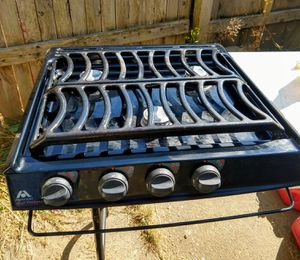 Atwood high Output 3 burner drop in range top for Sale in Tacoma, WA