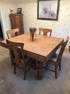 Antique Oak dining table & 5 chairs for Sale in Mount Vernon, OH