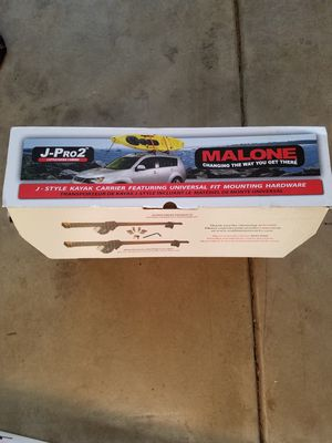 Malone J pro 2 kayak carrier and Malone Steeltop auto universal crossbar system for Sale in Plainfield, IL