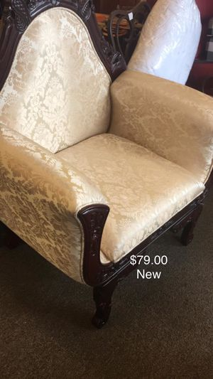 Ivory Chair (New) for Sale in Fort Leonard Wood, MO