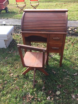 Antique 100yr old Child Desk for Sale in Pickerington, OH