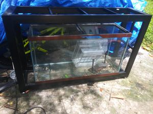 45g fish tank and stand for Sale in Tampa, FL